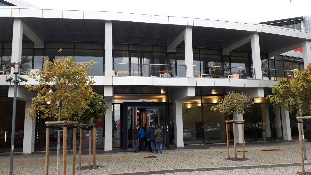 http://trac.wheregroup.com/PostNAS/export/410/trunk/anwendertreffen/2018-10-25-Bremen/postnas-treffen-bremen-2018-10-25-1.jpg
